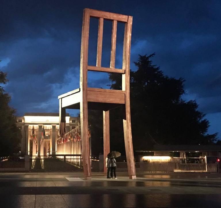 gift-of-paris-geneva-daniel-berset-broken-chair