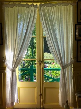 Yellow-Door-Claude-Monet-Impressionism-Normandy-Normandie-France-Giverny-giftofparis.com