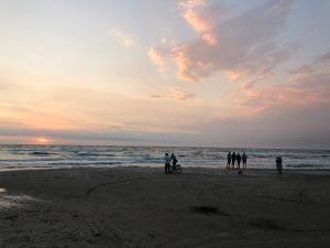 Kandestederne-Beach-Sunset-Skagen-in-Summer-giftofparis.com