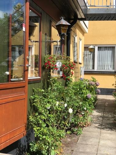 Hotel-Inger-Hulsig-Skagen-in-Summer-giftofparis.com