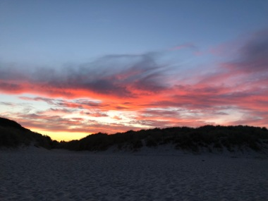 Hulsig-Colourful-Sunset-Beaach-Skagen-in-Summer-giftofparis.com