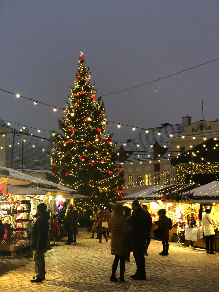 gift-of-paris-tallinn-christmas-market-estonia
